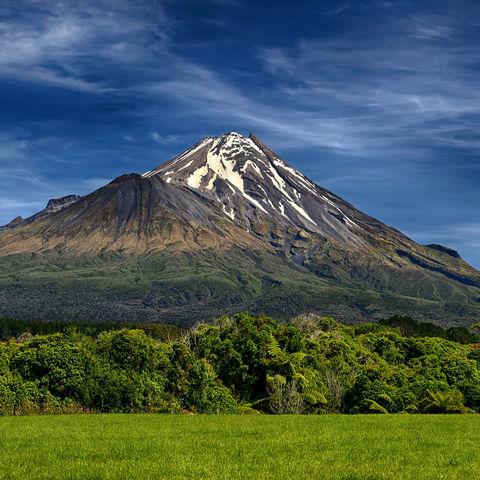 Der als Berggott verehrte Taranaki Vulkan, Neuseeland