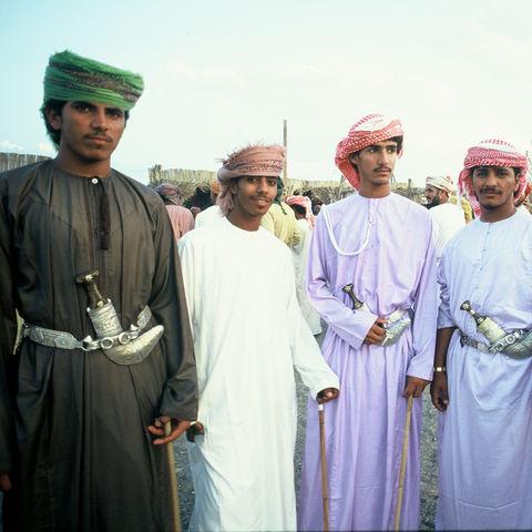 Gruppe von Einheimischen im Sultanat, Oman