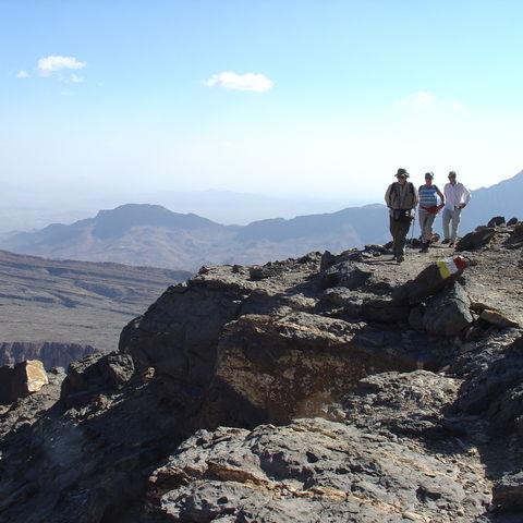 Wanderer in den Bergen, Oman