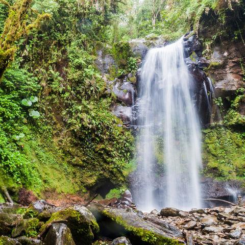 """Einer von 3 Wasserfällen auf dem """"Lost Waterfalls Hike"""