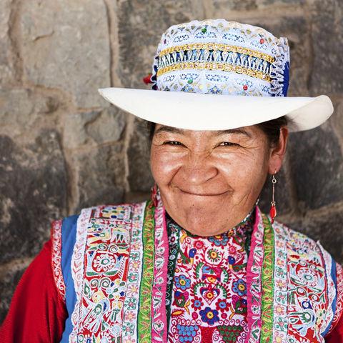 Wenn man von einer Peruanerin so angelächelt wird, kann ein Tag im Land der Inkas nur gut werden!, Peru