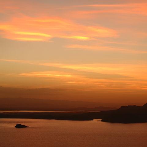 Sonnenuntergang über dem Titicacasee, Peru