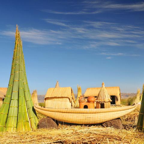 Typisches Schilfboot der Uros, Titicacasee, Peru