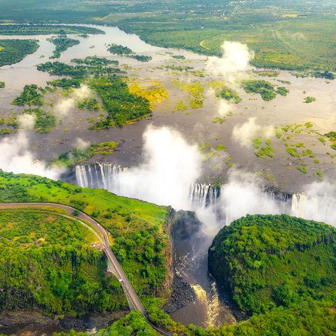 Blick auf die gewaltigen Viktoriafälle, Sambia