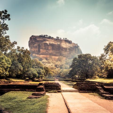 Monolith Sigiriya mit den Ruinen einer Felsenfestung, Sri Lanka