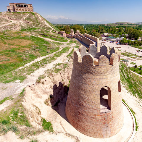 Im 18. Jh. errichtet: Festung von Hissar im Hissar Tal, Tadschikistan
