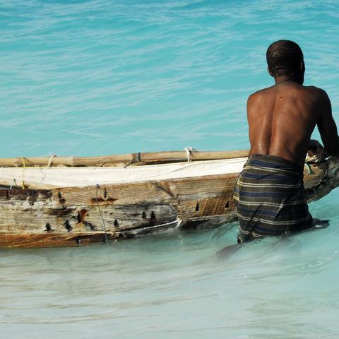 Fischer beginnt sein Arbeit, Tansania