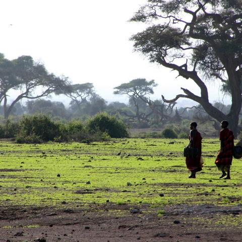 Zwei Masais, Tansania