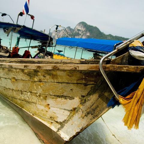 Boot am Strand, Thailand