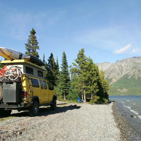 Die Weite und Wildnis Alaskas laden regelrecht zum Camping am See ein, Alaska