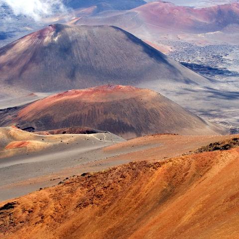 Eine Wanderung wie auf dem Mond: Vulkankrater des Haleakala, Maui, Hawaii