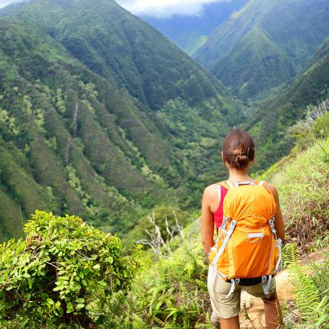 Wanderschuhe treffen auf Waihee Rücken und Maui Berge, Hawaii