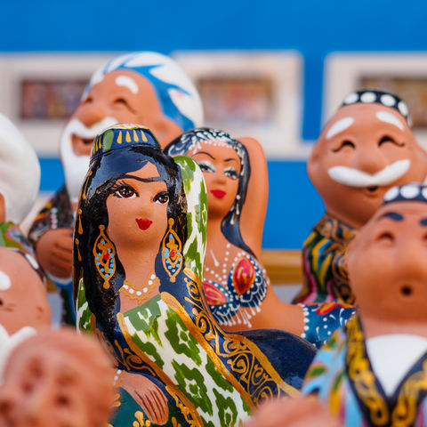 Kunstvolle, handbemalte Figuren in Buchara, Usbekistan