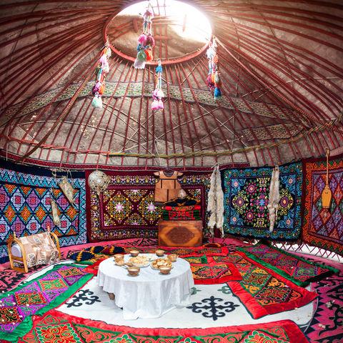 Innenraum einer Jurte, Usbekistan