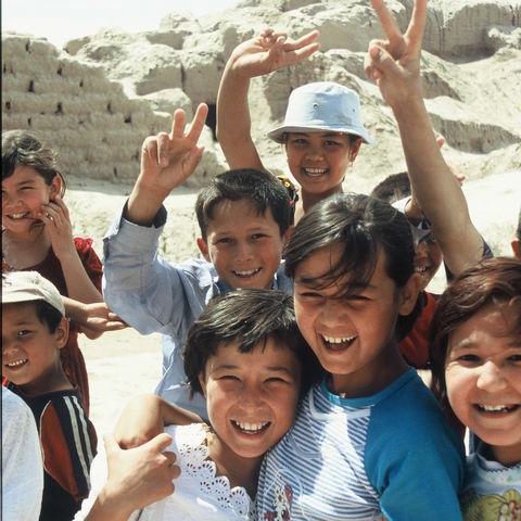 Lachende Schulkinder, Usbekistan