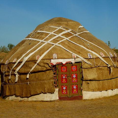 Übernachtung der besonderen Art in der Wüste: in einer Jurte!, Usbekistan