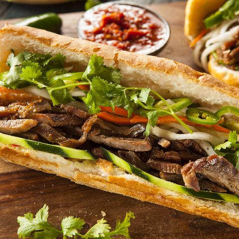 Was wäre ein Vietnam Besuch ohne ein typisches Banh Mi Sandwich probiert zu haben?, Vietnam
