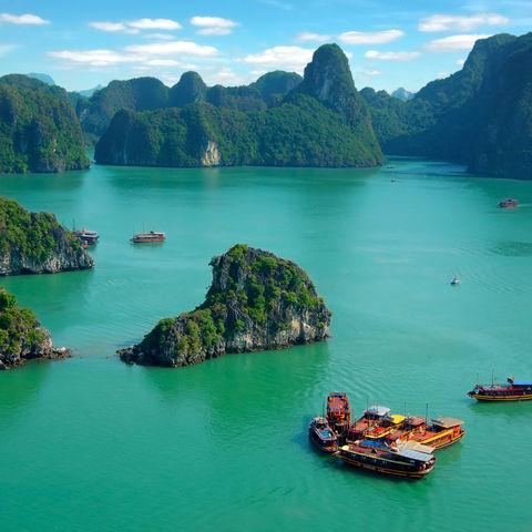 Malerische Halong Bucht, Vietnam