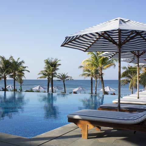 Blick vom Pool aufs Meer, Vietnam