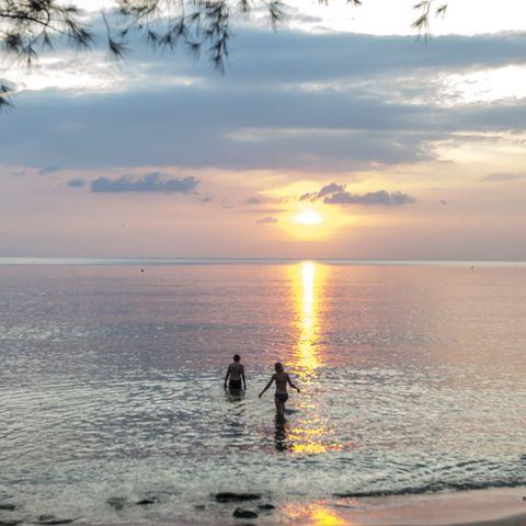 Schwimmen am privaten Strandabschnitt, Vietnam