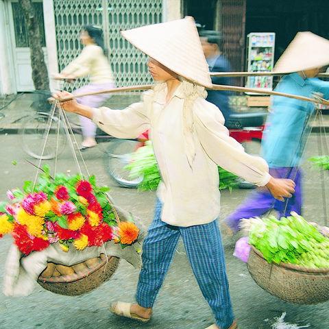 Straßenverkäuferin, Vietnam