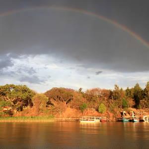 Regenbogen über dem Tana-See © Tschudi, Dreamstime.com