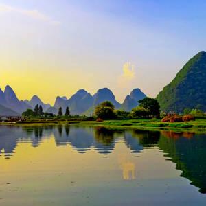 Wunderschöne Landschaft am Fluss Li in Yangshuo © Rigamondis, Dreamstime.com