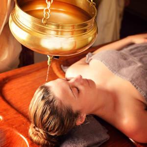 Ayurveda Behandlung @NEUE WGE #TITEL 1: Erholung für Körper und Geist #TITEL 2: Entspannen Sie bei den Ayurveda Behandlungen