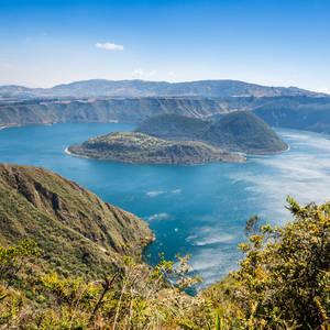 Cuicocha Kratersee im Cotacachi-Cayapas Reservat © Albertoloyo, Dreamstime.com
