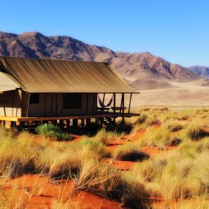 Safaricamp in der Namib-Wüste © Holger Karius, Dreamstime.com