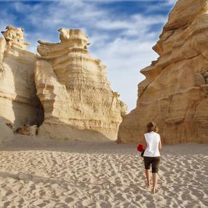 Große Kalksteinformationen am Strand © Gmv, Dreamstime.com