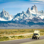 Jeep im Los-Glaciares-Nationalpark © Bernardo Ertl, Dreamstime.com