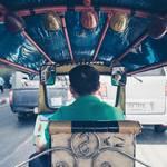 Im Tuk-Tuk durch Bangkok © Unsplash